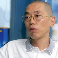 shi yuzhu Shi yuzhu (chinese: 史玉柱) is a chinese entrepreneur and software engineer  contents [hide] 1 early life and studies 2 business career 3 giant interactive.