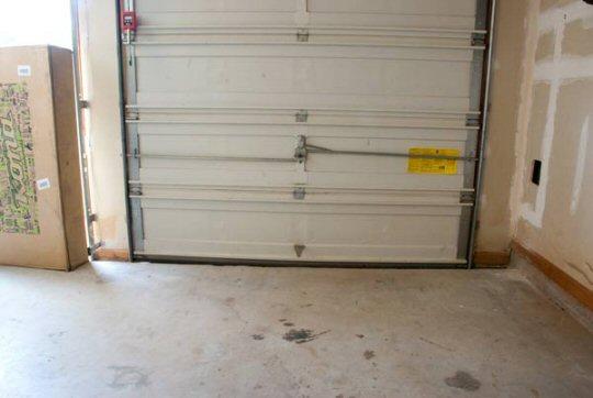 empty-garage-6001