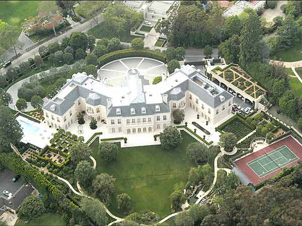 10 big spends of the super rich how to make money online for Super mega mansions